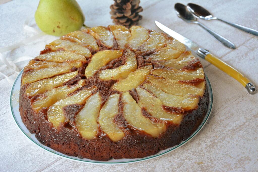 Gâteau renversé aux poires et chocolat noir